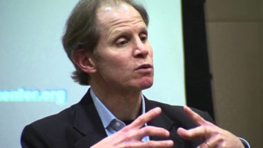 """Dan Siegel: How to Successfully Build an """"Integrated"""" Child"""