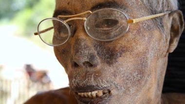 Torajan people, Indonesia, living With Dead Bodies for Weeks
