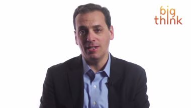 Daniel Pink: How to Persuade Others with the Right Questions